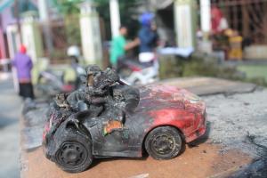Mainan yang terbakar